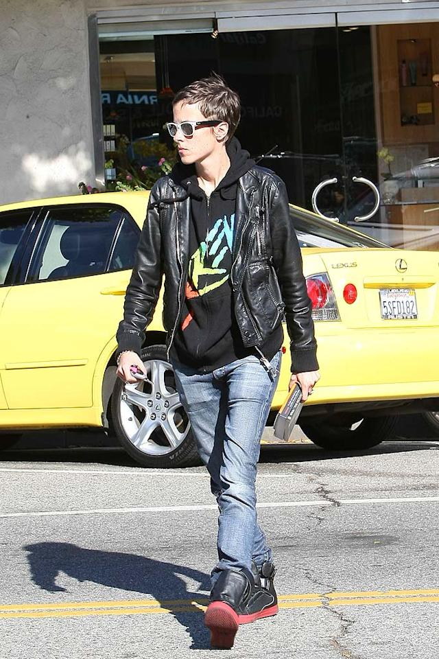 "Lindsay's ex Samantha Ronson (seen here grabbing coffee Wednesday) told E! News there is ""no truth"" to reports that she has filed a restraining order against her ex. Rachpoot/<a href=""http://www.infdaily.com"" target=""new"">INFDaily.com</a> - April 8, 2009"