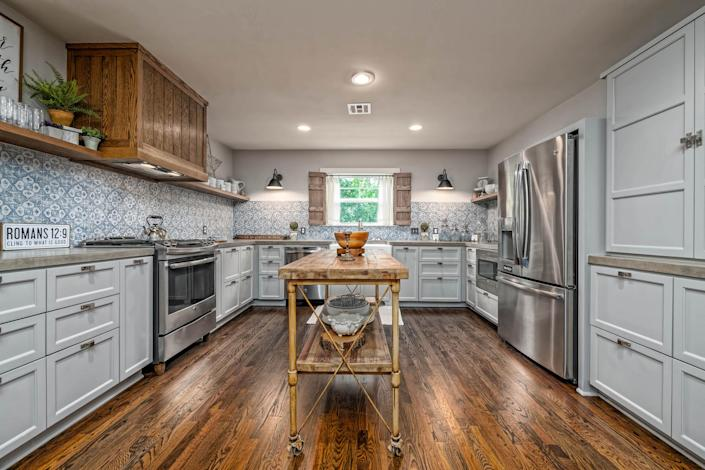 The cottage's kitchen offers plenty of room to prep and cook meals. (Carol Embry, Picture It Sold(R))