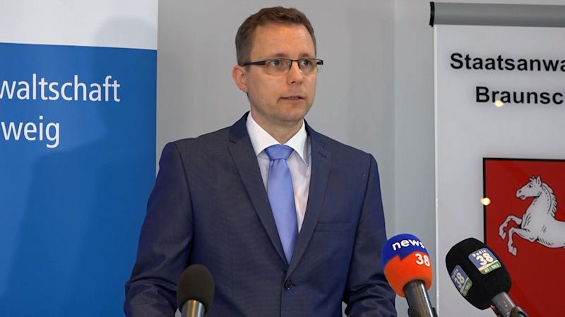 This video grab taken from AFP footage shows Hans Christian Wolters, a spokesman for Brunswick prosecutor's office, addressing the media in Braunschweig, northern Germany on June 4, 2020 on the new suspect in the disappearance of British girl Madeleine McCann. (Photo by Axel BRUNOTTE / AFP) (Photo by AXEL BRUNOTTE/AFP via Getty Images)