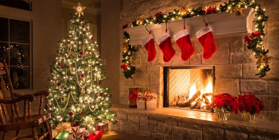 This Survey Reveals the Most Popular Time to Put up Holiday Decorations