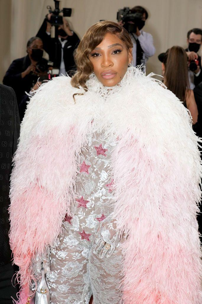<p>Though her outfit was inspired bu superheroes, Williams's beauty look was all Old Hollywood. We're going to think about her glowing skin every time we pass a mirror this week. </p>