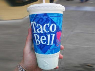 """<div class=""""caption-credit""""> Photo by: Like_the_Grand_Canyon</div><div class=""""caption-title"""">5. Taco Bell's 40-Ounce Dr. Pepper</div><b>The damage:</b> 500 calories, 135 grams of sugar, 0 grams fat. <br> <b>Instead, you could eat:</b> At Taco Bell, it's the calorie equivalent of a chicken soft taco and order of cheesy nachos! <br> <b><a rel=""""nofollow noopener"""" href=""""http://www.rd.com/slideshows/100-easy-ways-to-cut-50-calories/"""" target=""""_blank"""" data-ylk=""""slk:More: 100 easy ways to cut 50 calories >>"""" class=""""link rapid-noclick-resp"""">More: 100 easy ways to cut 50 calories >></a></b>"""