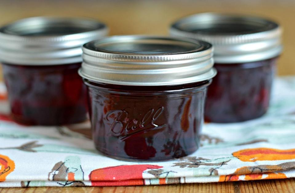 """<p>While we're on the topic of currants, this tarty jelly goes great on yeast buns or toast. This recipe only requires two ingredients and can be made by boiling homemade currant juice with sugar in a pan.</p> <p><a href=""""https://www.thedailymeal.com/recipes/red-currant-jelly-recipe-0?referrer=yahoo&category=beauty_food&include_utm=1&utm_medium=referral&utm_source=yahoo&utm_campaign=feed"""" rel=""""nofollow noopener"""" target=""""_blank"""" data-ylk=""""slk:For the Red Currant Jelly recipe, click here."""" class=""""link rapid-noclick-resp"""">For the Red Currant Jelly recipe, click here.</a></p>"""