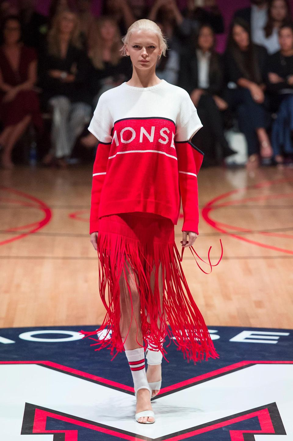 <p>Monse put a sweater with cut-out sleeves together with fringe skirt during the SS18 Monse collection. (Photo: ImaxTree) </p>