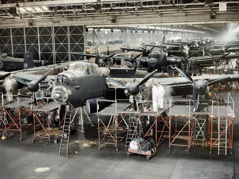 Lancaster bombers nearing completion in Avroís assembly plant at Woodford near Manchester, 1943 (Imperial War Museum )