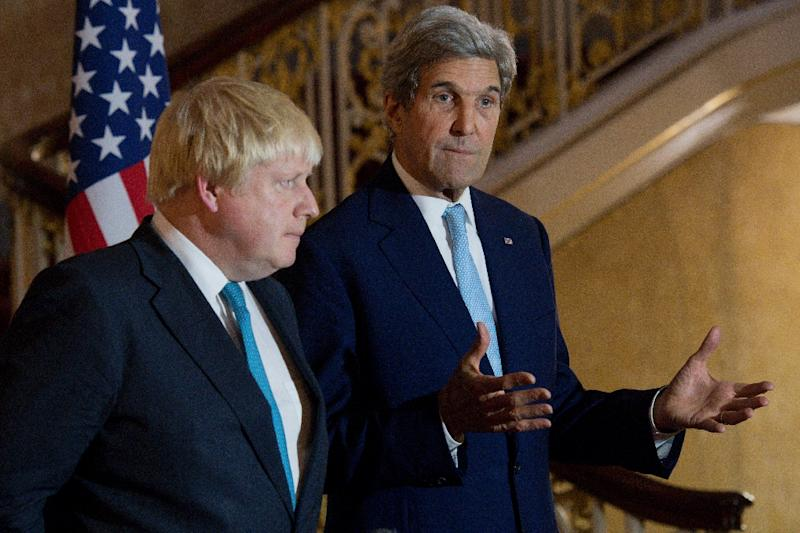 British Foreign Secretary Boris Johnson (L) and US Secretary of State John Kerry give a joint press conference after a meeting on the situation in Syria at Lancaster House in London on October 16, 2016