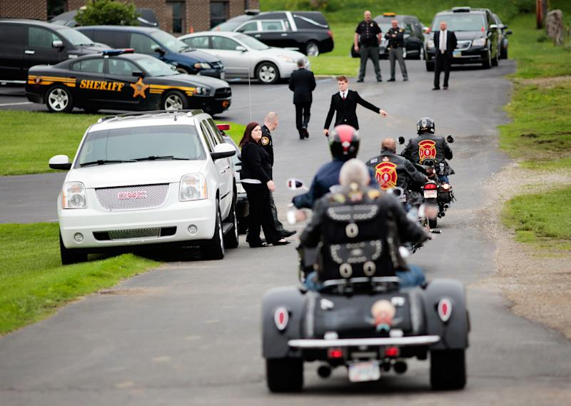 Mourners arriving at a funeral for members of the Rhoden family in 2016 (Photo: Stringer . / Reuters)