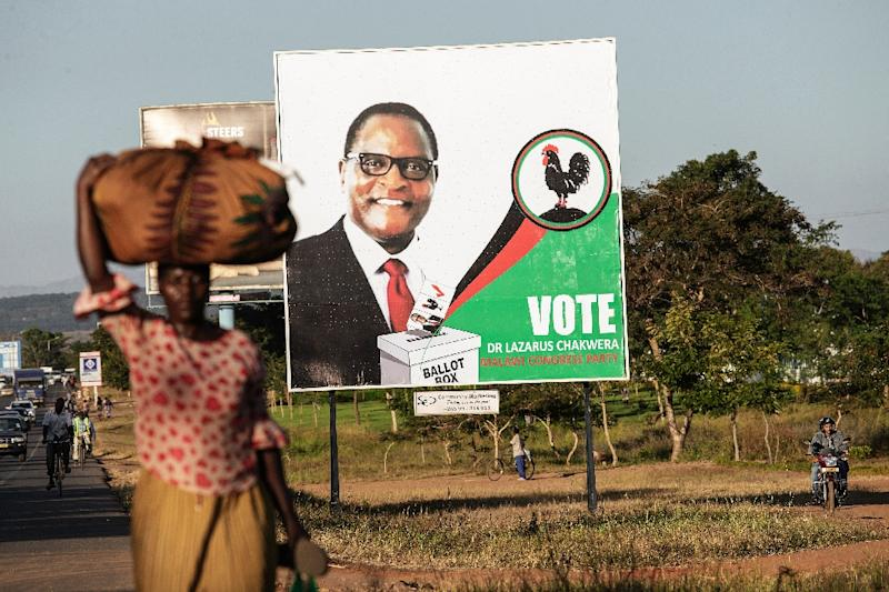 A campaign billboard featuring Malawi Congress Party candidate Lazarus Chakwera (AFP Photo/GIANLUIGI GUERCIA)