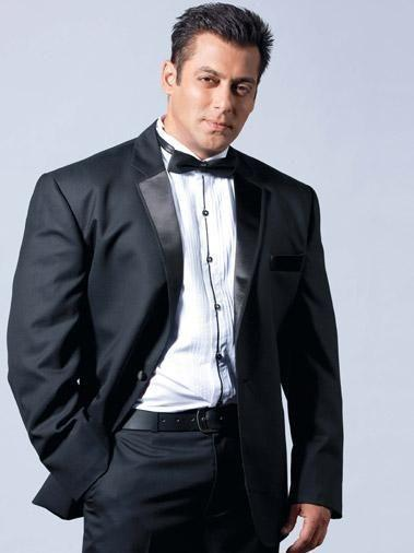 Salman Khan The actor admitted in 2011 that he was suffering from a condition called trigeminal neuralgia, which caused acute pain in the face and jaw. The Dabbang star is being treated for the same and is fighting it with all willpower.