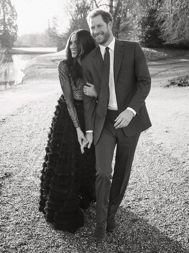 Meghan Markle and Prince Harry's engagement photos at Frogmore House | Alexi Lubomirski/Kensington Palace Twitter