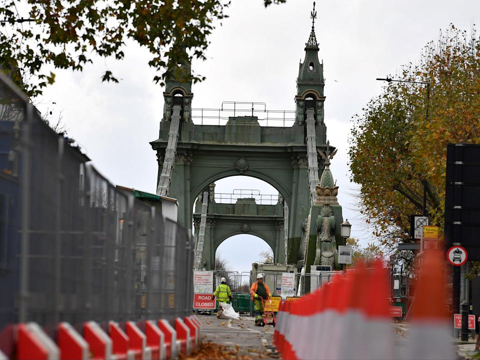 Hammersmith Bridge was closed to traffic in April 2019 because of fractures in its cast iron structure (AFP via Getty Images)