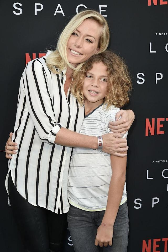 Kendra Wilkinson and her son, Hank Baskett IV, hit the red carpet together in L.A. for the <em>Lost in Space</em> Season 1 premiere on April 9, 2018. (Photo: David Crotty/Patrick McMullan via Getty Images)