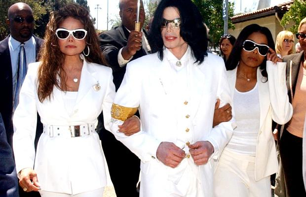 c697da73 Michael Jackson's funeral delayed because Janet wanted her $40K burial  deposit back, says new book
