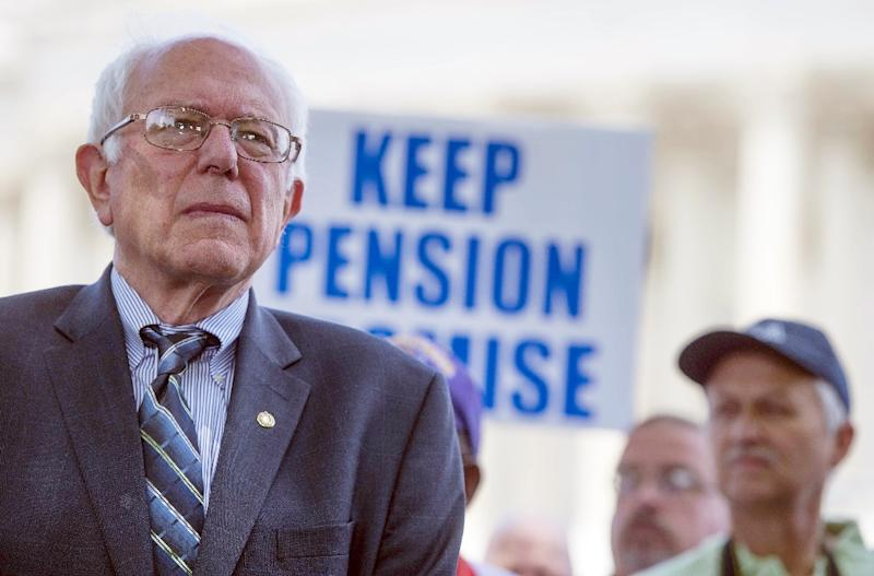 Bernie Sanders has taken a slim lead over Democratic presidential frontrunner Hillary Clinton in Iowa, while Donald Trump extended his domination over the rest of the Republican field, polls show (AFP Photo/Jim Watson)