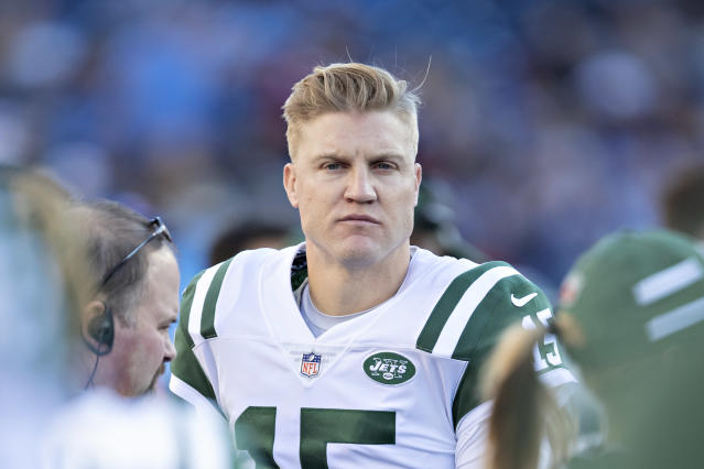 Josh McCown, who spent time with 10 NFL franchises, has another team to add to the list. (Getty Images)