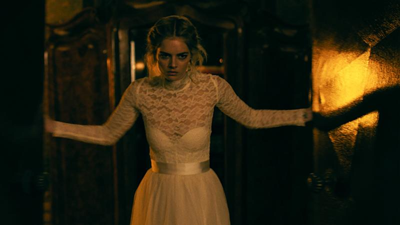 Samara Weaving as Grace in horror movie 'Ready Or Not'. (Credit: 20th Century Fox)