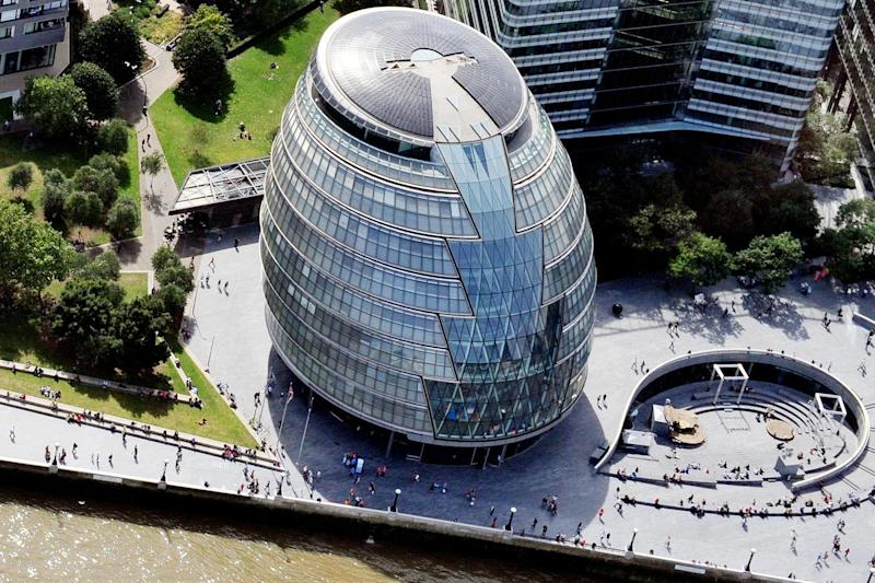 Pay gap cut to near zero at City Hall but men still earn £6 an hour more at TfL