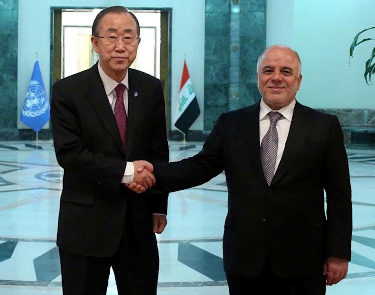 Picture released by the Iraqi Prime Minister's office on March 30, 2015 shows Iraqi Prime Minister Haider al-Abadi (R) with Secretary-General of the United Nations, Ban Ki-moon, in the Iraqi capital Baghdad (AFP Photo/)