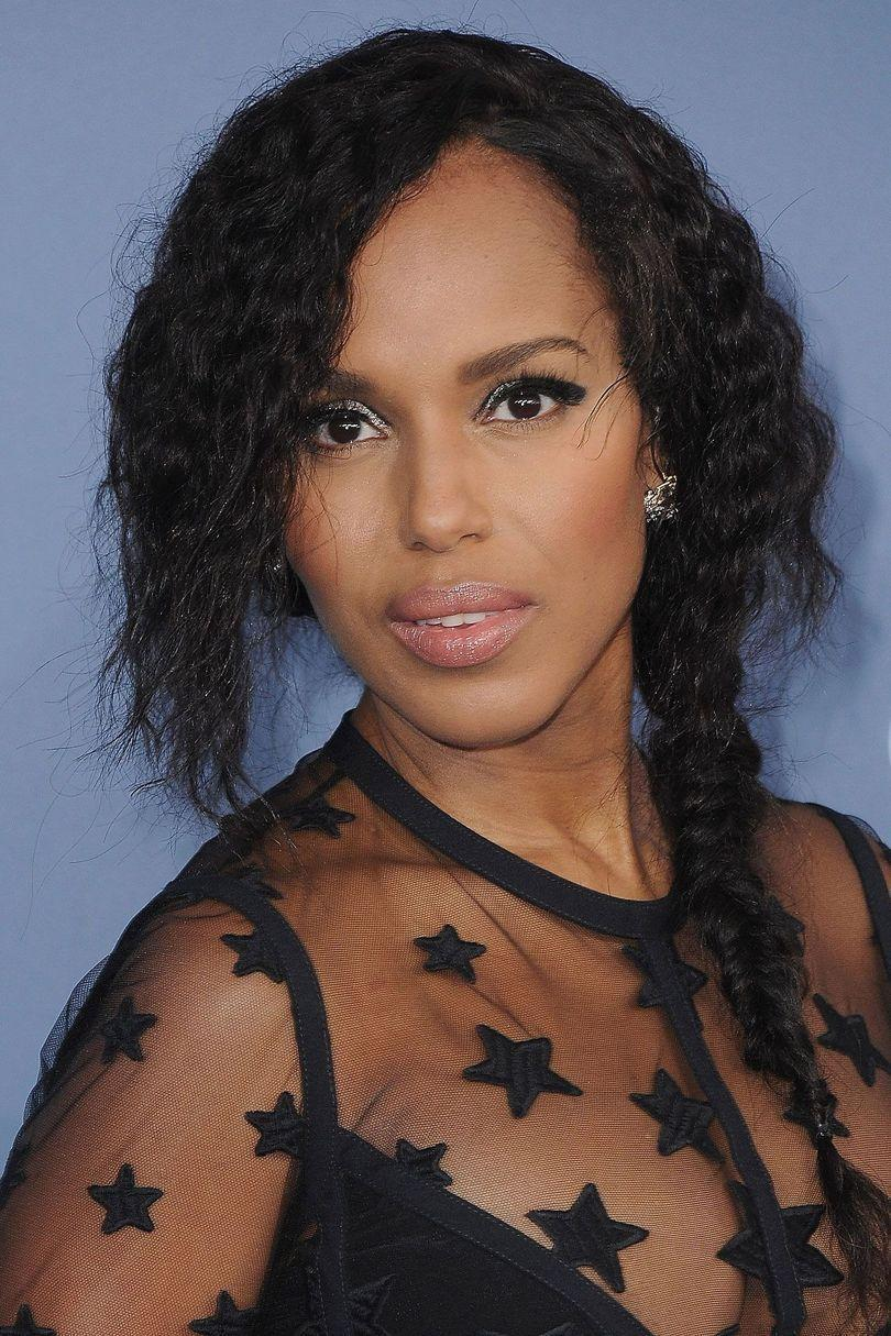<p>Kerry Washington's uber casual side plait says 'Party in the dress, effortless in the braid.'</p>