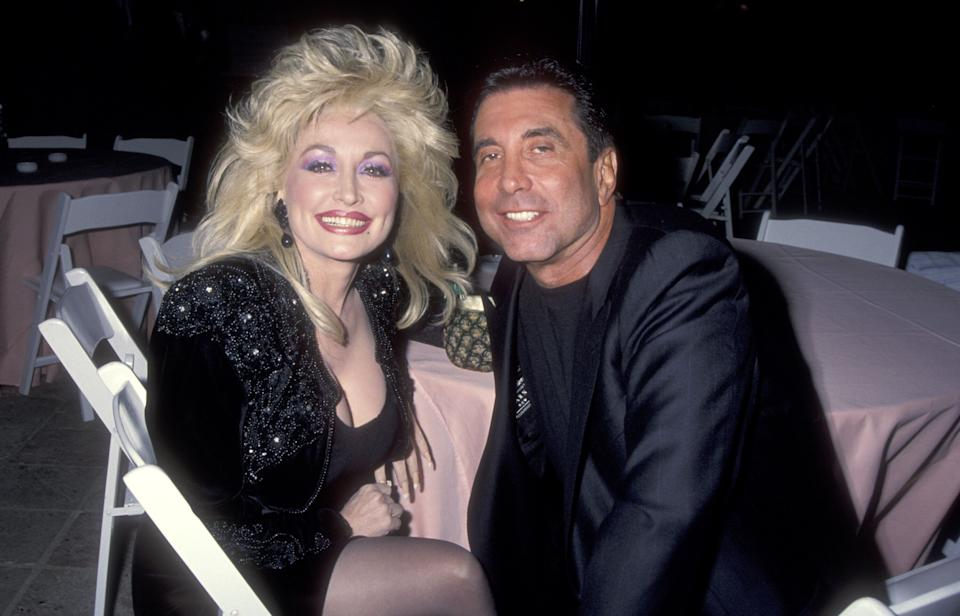 Dolly Parton with Sandy Gallin in 1992. (Photo: Ron Galella, Ltd. via Getty Images)