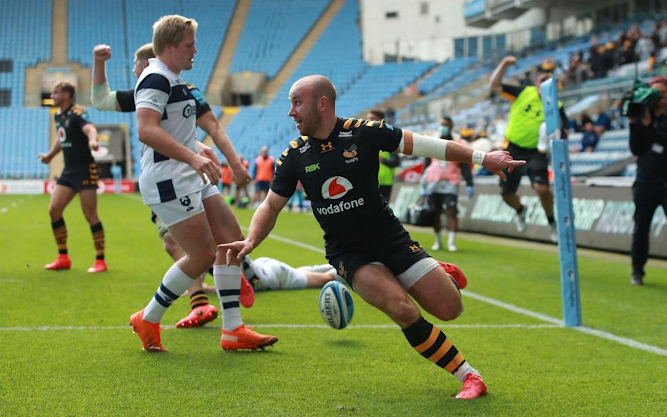 Dan Robson scoring for Wasps -Dan Robson making a strong case for England recall after shining in Wasps' post-lockdown boom - GETTY IMAGES