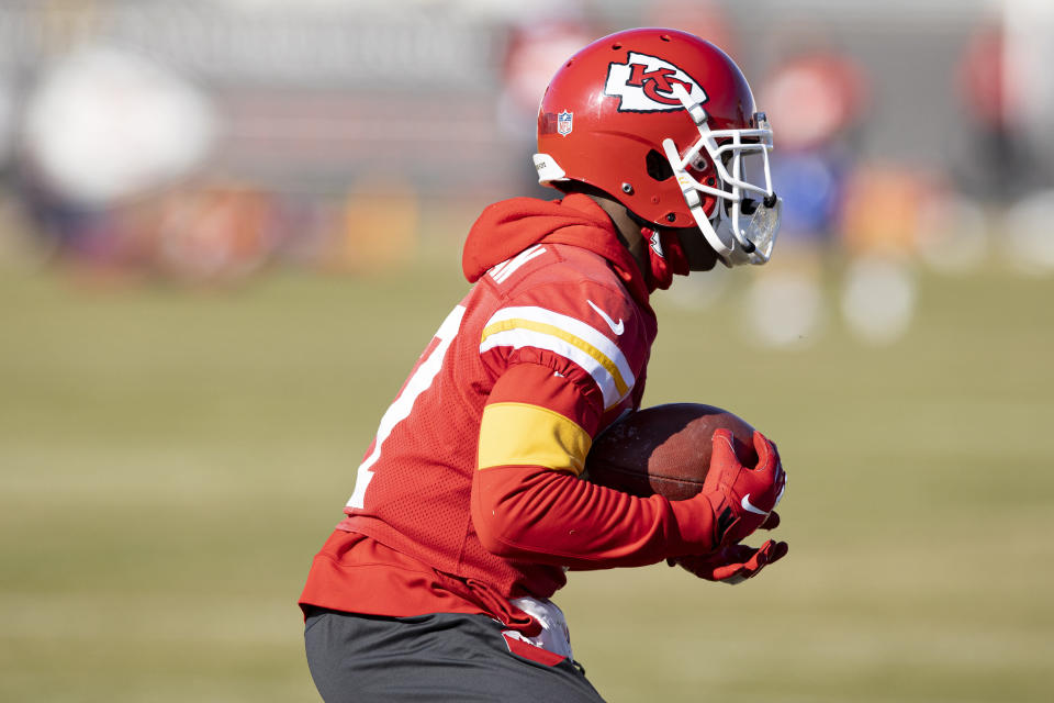 Kansas City Chiefs Wide Receiver Mecole Hardman (17) fielding a punt during NFL football practice Wednesday February 2, 2021 in Kansas City, Mo. The Chiefs will face the Tampa Bay Buccaneers in Super Bowl 55. (Steve Sanders/Kansas City Chiefs via AP)