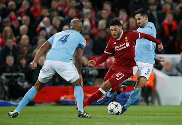 <p>Soccer Football – Champions League Quarter Final First Leg – Liverpool vs Manchester City – Anfield, Liverpool, Britain – April 4, 2018 Liverpool's Alex Oxlade-Chamberlain in action with Manchester City's Ilkay Gundogan REUTERS/Andrew Yates </p>