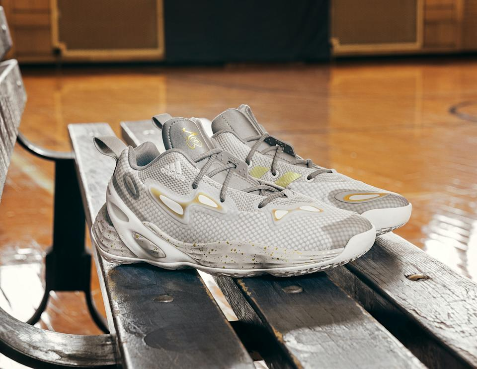 The Exhibit A(ce) pay tribute to the late Pat Summitt, Parker's coach during her college years at Tennessee. (Photo by Adidas)