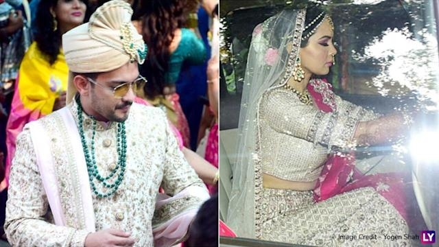 Aditya Narayan And Shweta Agarwal Go With Mute And Magnificent Tones For Their Wedding View Pics