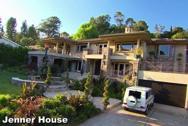"""<p><em>Keeping Up With the Kardashians</em> consistently shows off the exterior of the fam's massive homes, but apparently, they're all fake. <a href=""""https://www.dailymail.co.uk/tvshowbiz/article-2574497/Kim-breaks-silence-fake-house-featured-Keeping-Up-With-The-Kardashians.html"""" rel=""""nofollow noopener"""" target=""""_blank"""" data-ylk=""""slk:Kim explained"""" class=""""link rapid-noclick-resp"""">Kim explained</a> that this is for """"safety reasons,"""" adding, """"It was so unsafe. The Hollywood Star Tours would stop by, too, because they recognized my home from our show. After that, we realized how unsafe it is to show the exterior of our homes. So now we use different homes for the outside for security purposes.""""</p>"""