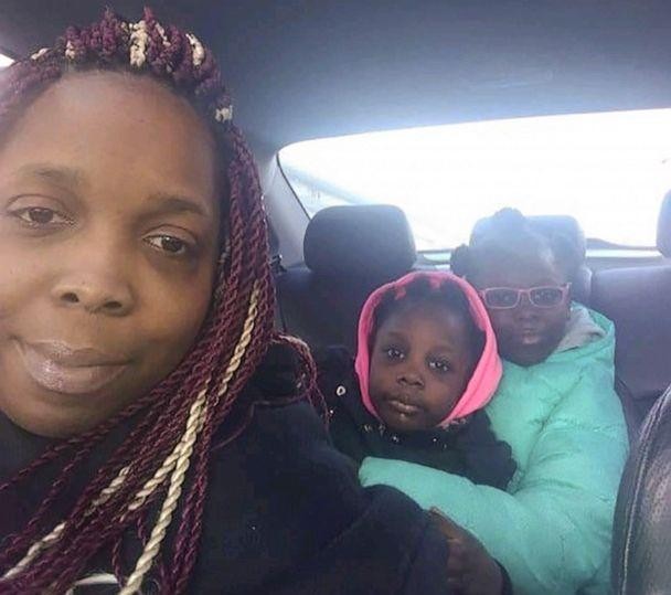 PHOTO: Reshyla and Savayla Winters are pictured with mother Regina Evans in an undated family photo. (The Law Offices of Al Hofeld, Jr., LLC)