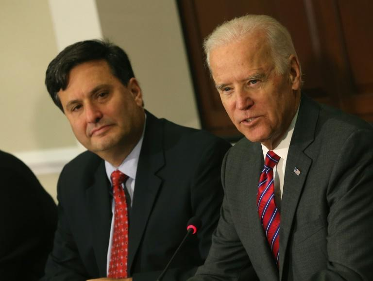 US President-elect Joe Biden has tapped longtime Democratic operative Ron Klain (L) to be his White House chief of staff once Biden is inaugurated on January 20, 2021