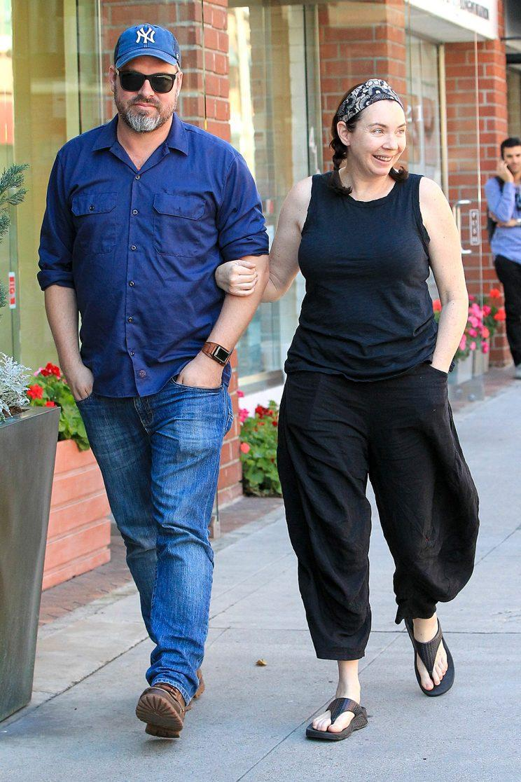 Stephanie Courtney was spotted strolling around Beverly Hills with her husband, Scott Kolanach, on Wednesday. (Photo: AKM-GSI)