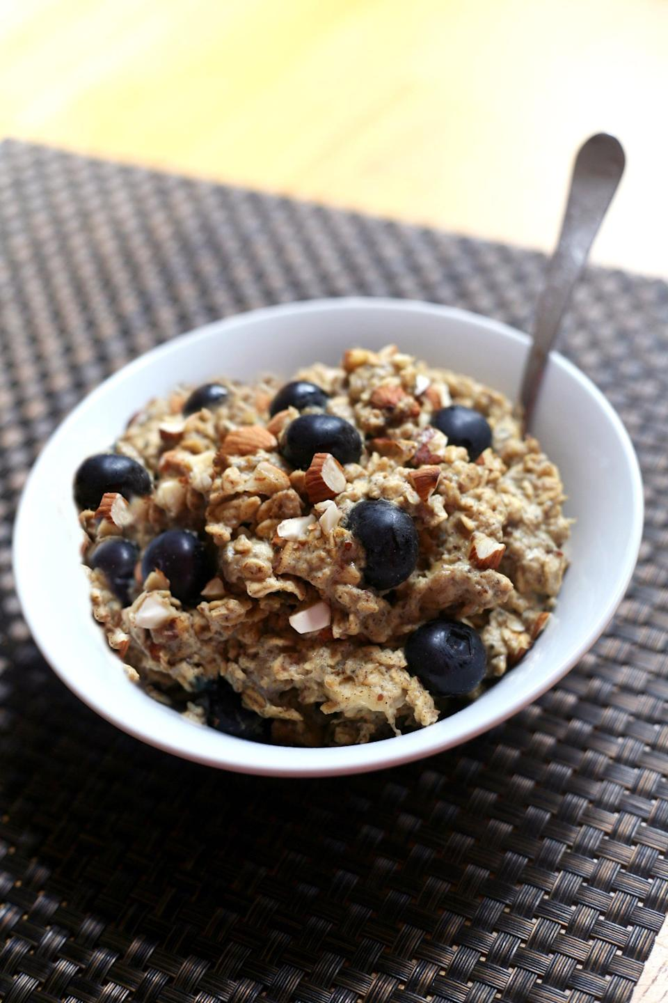 "<p>Sweetened only with banana, applesauce, and blueberries, this baked gluten-free breakfast offers hunger-satiating protein and fiber. You'll get six servings out of this recipe. </p> <p><strong>Calories:</strong> 321<br> <strong>Protein:</strong> 15.9 grams </p> <p><strong>Get the recipe:</strong> <a href=""https://www.popsugar.com/fitness/Healthy-Baked-Oatmeal-43529404"" class=""link rapid-noclick-resp"" rel=""nofollow noopener"" target=""_blank"" data-ylk=""slk:blueberry banana baked oatmeal"">blueberry banana baked oatmeal</a></p>"