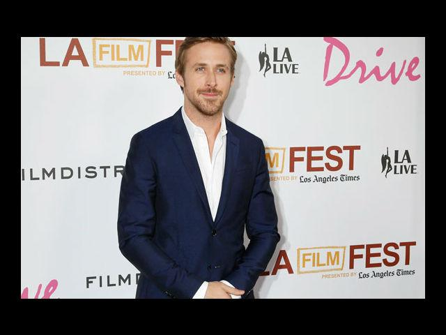 <b>2) Ryan Gosling</b><br> We thought that Ryan Gosling is just darn perfect, sexy and stylish. But then he sports a 'tache and manages to look even more perfect, extremely sexy and superbly stylish.