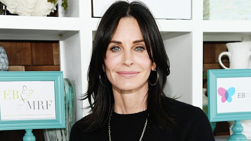 Courteney Cox Brings Back Her Infamous 'Scream 3' Bangs for Halloween -- Watch!
