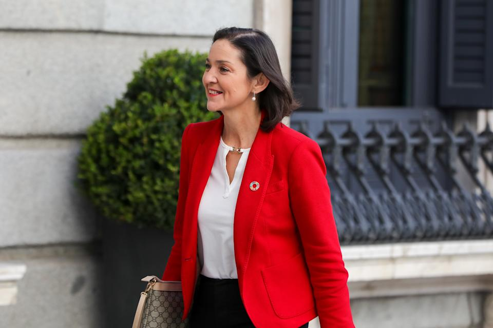 MADRID, SPAIN - JANUARY 07: Minister of Industry Maria Reyes Maroto is seen arriving to the Parliament for the second vote of the investiture of the socialist candidate for the presidency of the Government, Pedro Sanchez, in the 14th legislature on January 07, 2020 in Madrid, Spain. (Photo by Jesús Hellín/Europa Press via Getty Images)