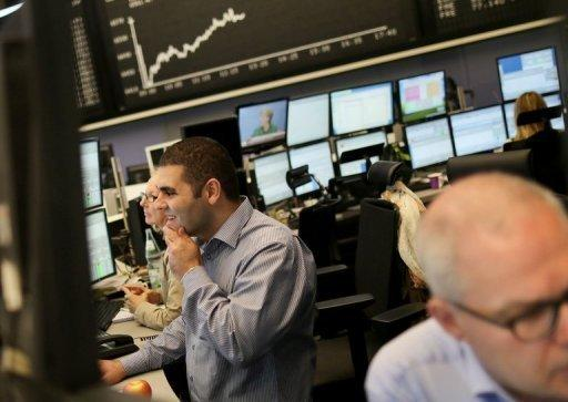 European stocks, euro rise with focus on banks