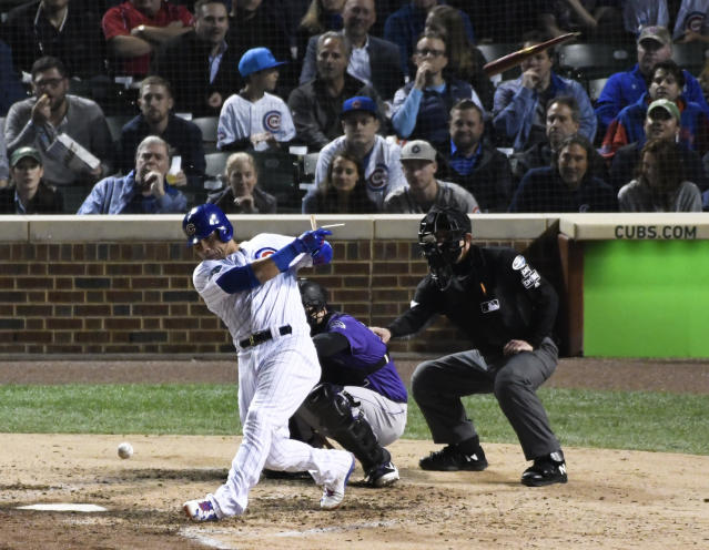 Chicago Cubs' Willson Contreras (40) breaks his bat as he grounds out against the Colorado Rockies during the fifth inning of the National League wild-card playoff baseball game, Tuesday, OCT. 2, 2018, in Chicago. (AP Photo/David Banks)