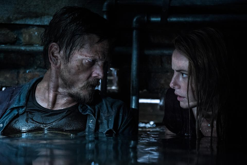 Barry Pepper and Kaya Scodelario play a stranded father and daughter in 'Crawl' (Photo: Sergej Radovia/Paramount)