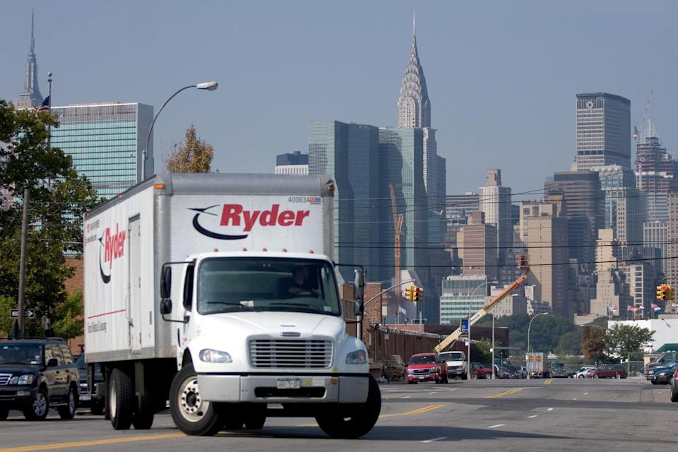A Ryder truck pulls into a Ryder rental location in the Queens borough of New York, U.S., on Monday, Oct. 8, 2007. Ryder System Inc., the largest U.S. truck-leasing company, said third-quarter earnings were less than it forecast as the economy weakened beyond housing and reduced demand for freight-hauling trucks. The shares fell the most since 2004. (Photo by Jb Reed/Bloomberg via Getty Images)