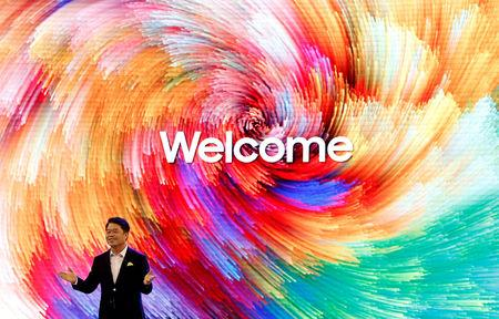 HC Hong, President and CEO, Samsung Electronics SouthWest Asia, gestures as he speaks during the opening of a Samsung store in Bengaluru, India, September 11, 2018. REUTERS/Abhishek N. Chinnappa
