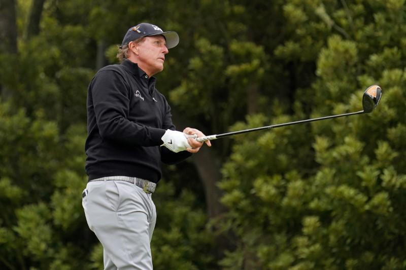 Mickelson eyes win on PGA Tour Champions debut