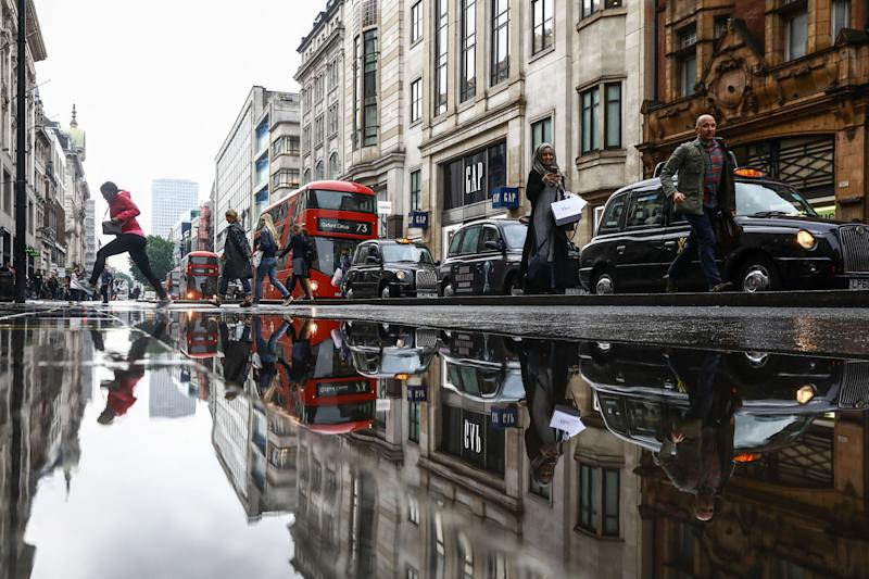 U.K. Consumers Are 'Treading Water' as Brexit Approaches Climax