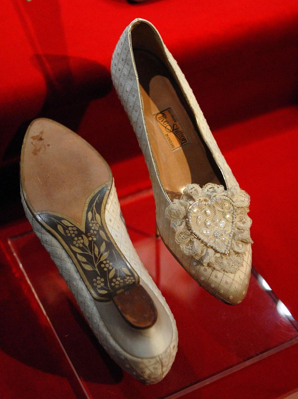 """Princess Diana's wedding slippers are displayed at a preview of the traveling """"Diana: A Celebration"""" exhibit at the National Constitution Center in Philadelphia, Pennsylvania (Getty Images)"""