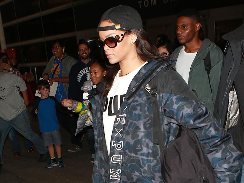 3fecafcb 6 Ways Celebrities Are Wearing Uggs and Leggings (That Are Still ...