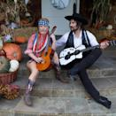 <p>As a tribute to her <em>Dukes of Hazzard</em> costar, Jessica and her husband Eric dressed up as the country duo who made sweet music together in the '70s. <br></p>