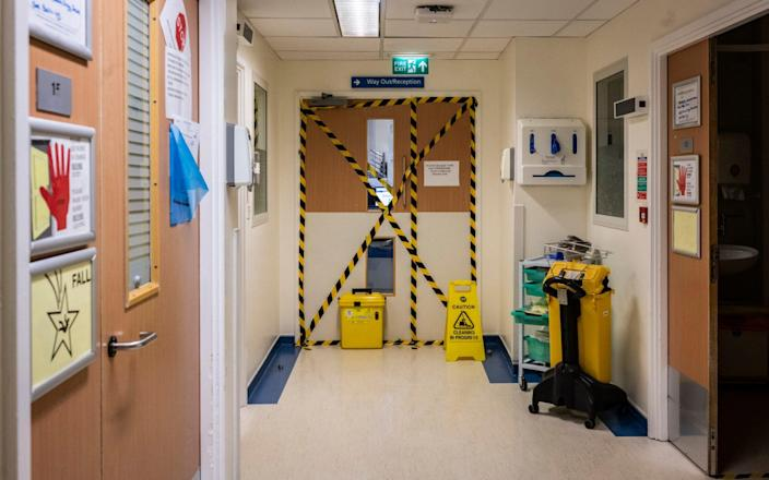 Specially designated COVID wards at the University Hospital Coventry - Lynsey Addario/Getty Images Europe