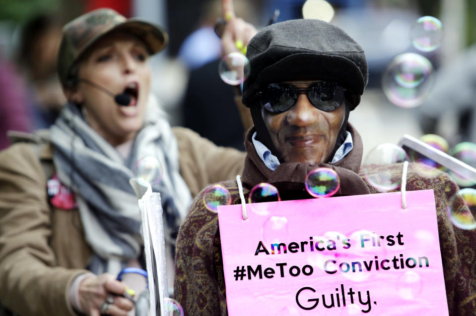 Activist Bird Milliken pushes a shopping cart with a likeness of Bill Cosby, while she waits for him to arrive at court for his sentencing on Sept. 24. (Photo: AP Photo/Jacqueline Larma)