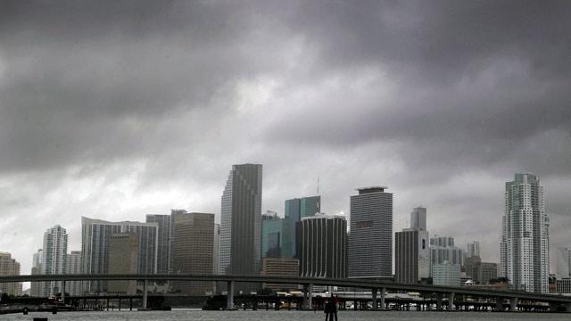 Tropical Storm Isaac: Hurricane Warnings Issued for Gulf Coast (ABC News)
